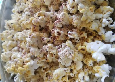 Popcorn Snack with Nutritional Yeast and Paprika
